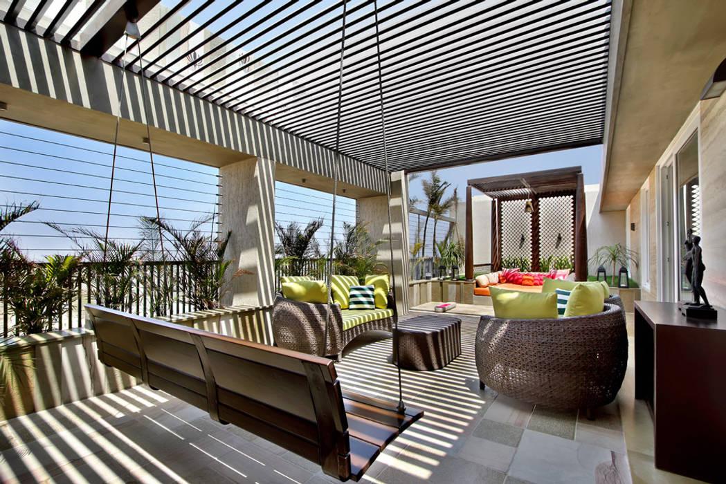 Nikhil patel residence Varandas, marquises e terraços modernos por Dipen Gada & Associates Moderno