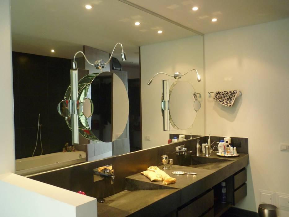 APTO 705 Peñas Blancas Baños de estilo moderno de 57uno Arquitectura Moderno