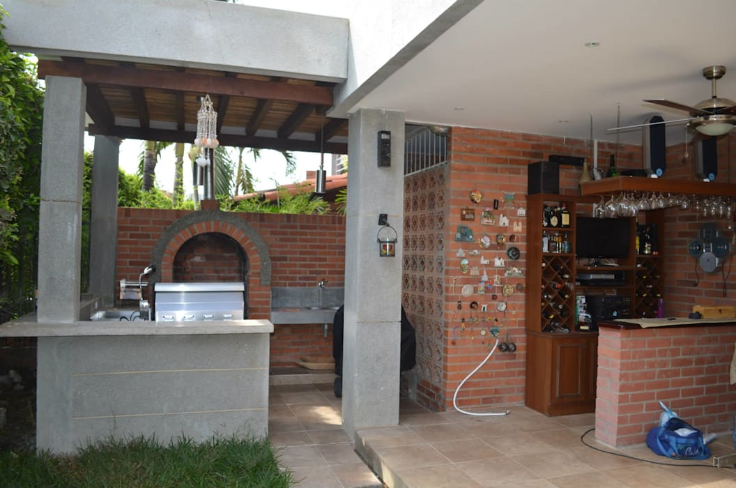 Arquitecta Vitcha M Balkon, Beranda & Teras Modern