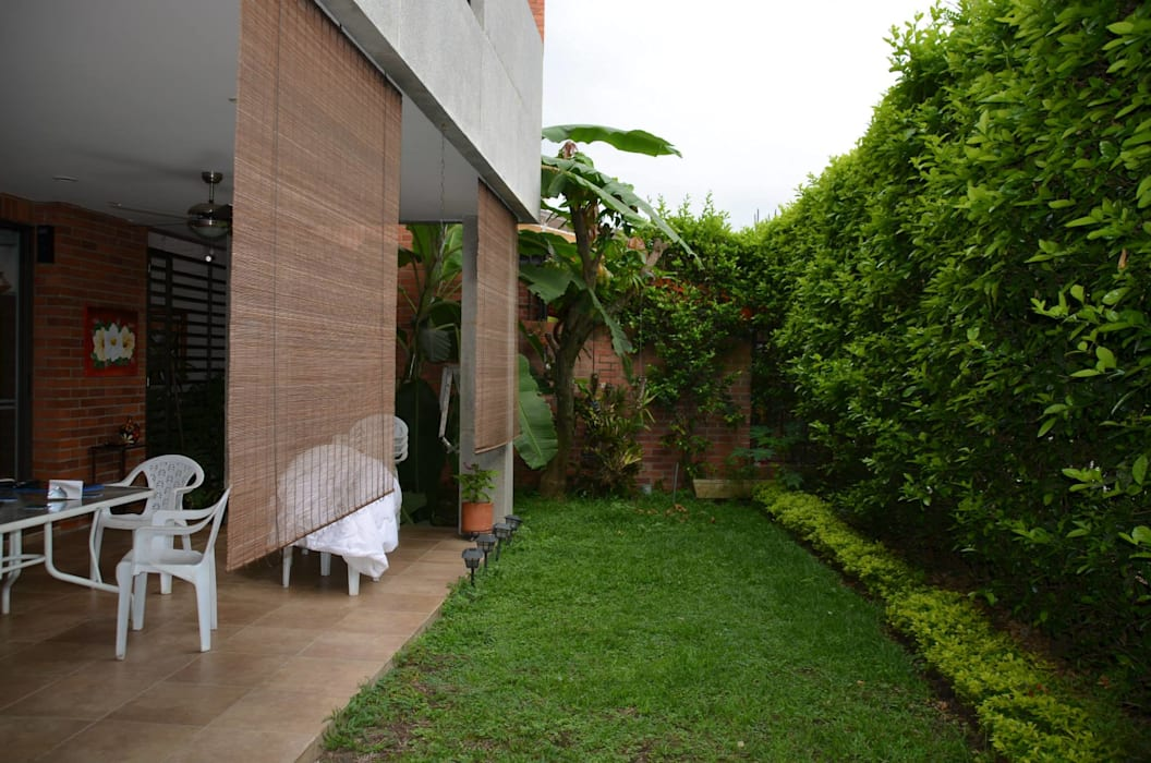 Arquitecta Vitcha M Modern Garden