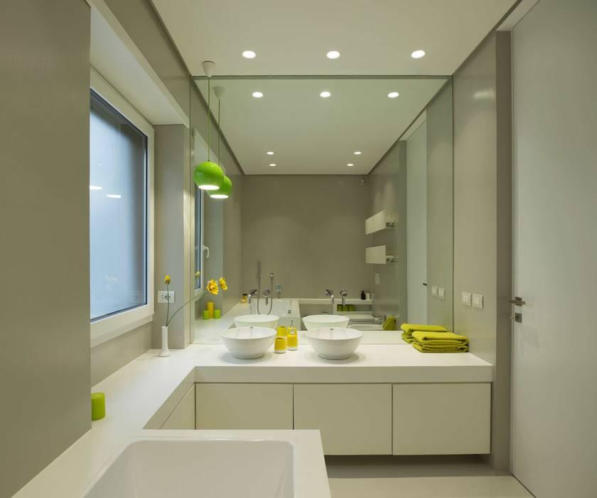 Arabella Rocca Architettura e Design Minimalist style bathroom