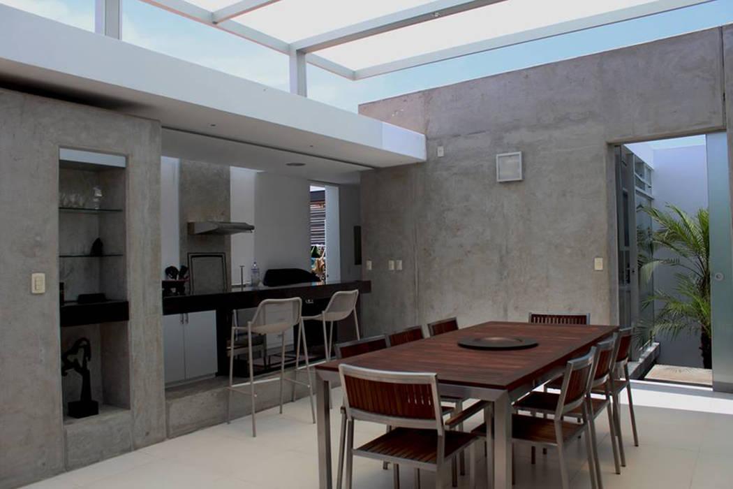 NIKOLAS BRICEÑO arquitecto Comedores de estilo moderno