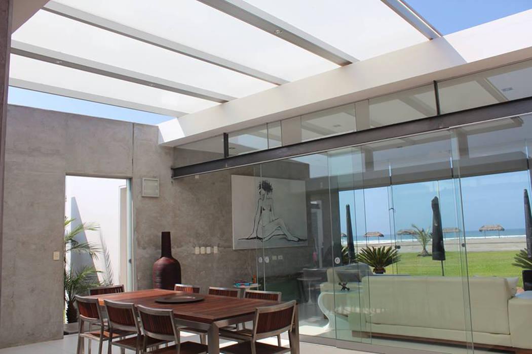 CASA BORA BORA NIKOLAS BRICEÑO arquitecto Comedores de estilo moderno