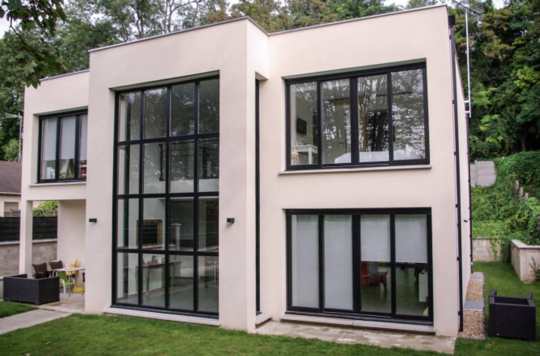 Minimalist houses by Daniel architectes Minimalist