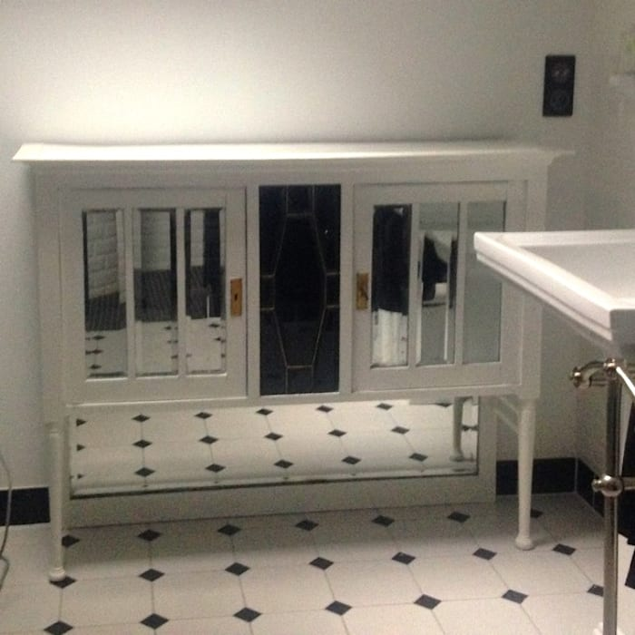 Meuble 1900 rénové: Salle de bains de style  par POPPIN' WOOD