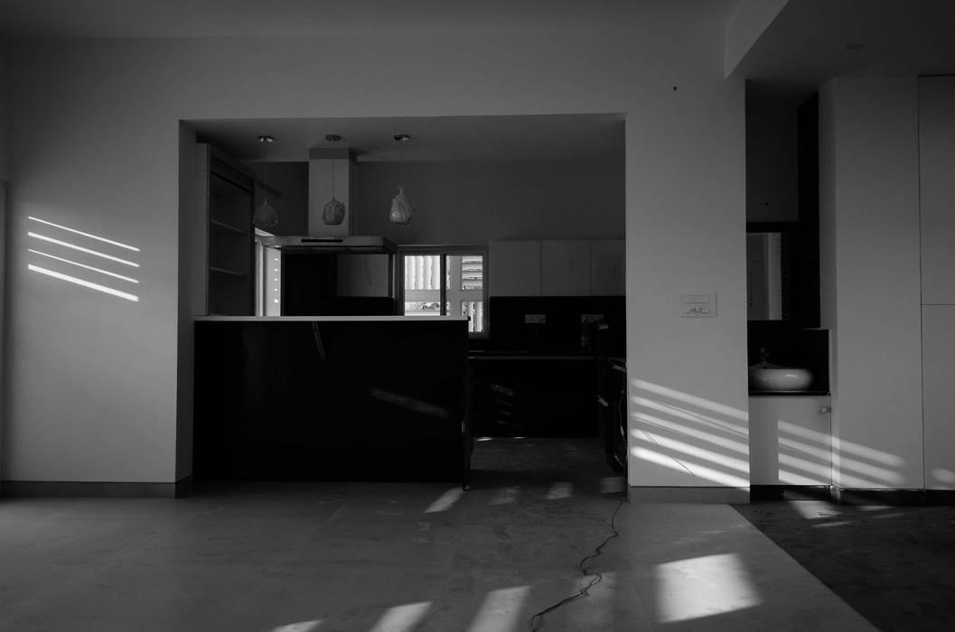 Kitchen by BETWEENLINES, Modern