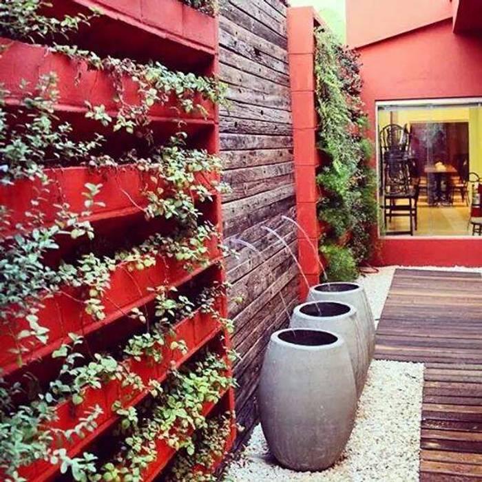 Jardines de estilo moderno de feltrini Moderno