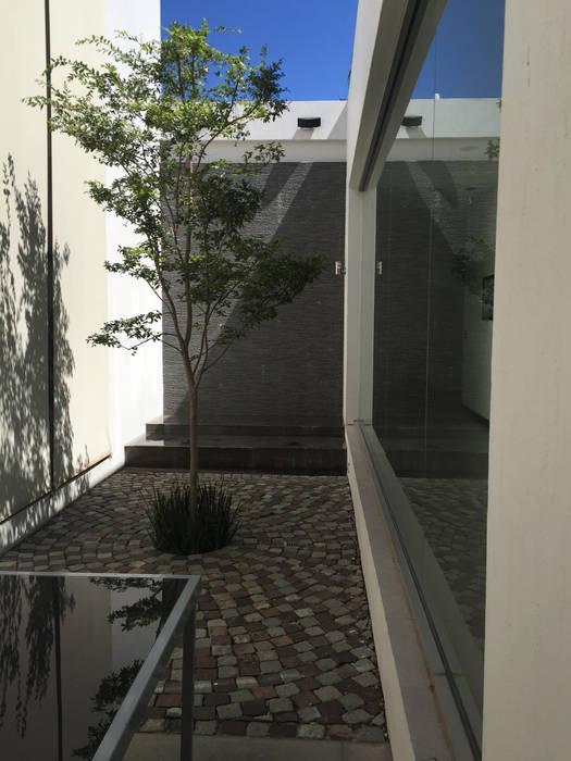 Club de Golf Santa Anita Balcones y terrazas modernos de Arki3d Moderno