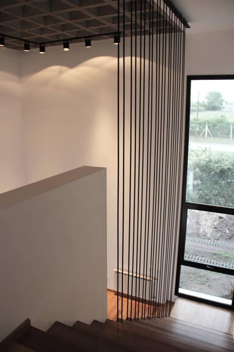 Moderner Flur, Diele & Treppenhaus von Estudio .m Modern