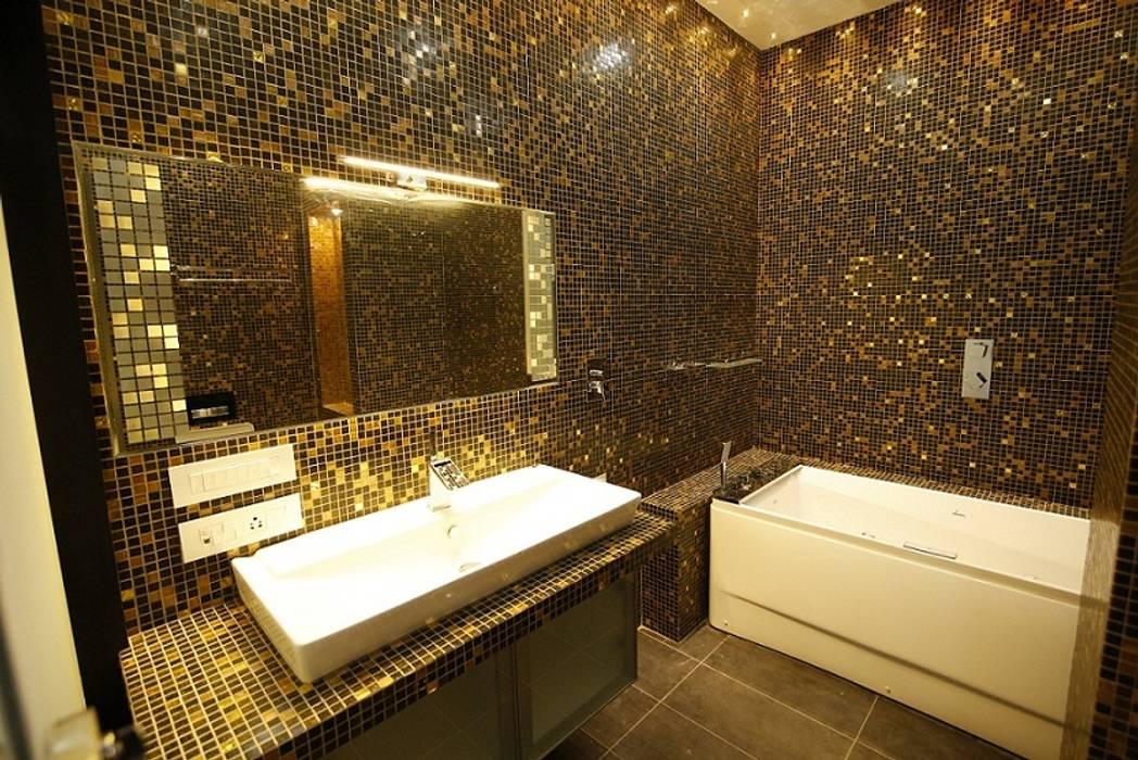 Minimalist style bathrooms by Offcentered Architects Minimalist