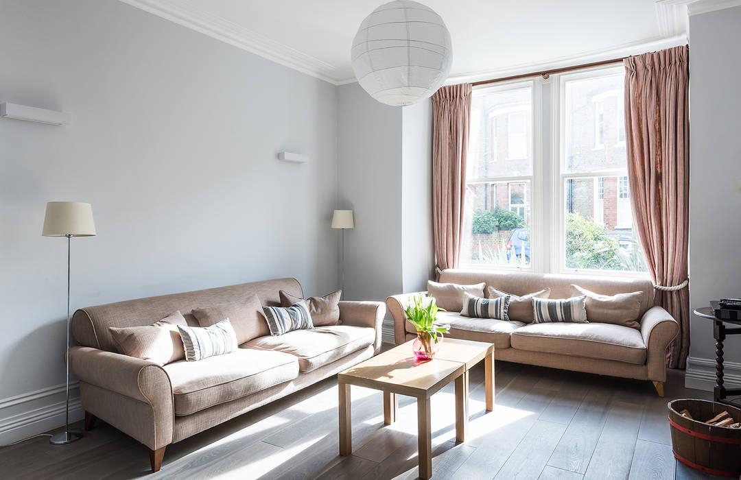 Putney Home Livings de estilo moderno de Grand Design London Ltd Moderno