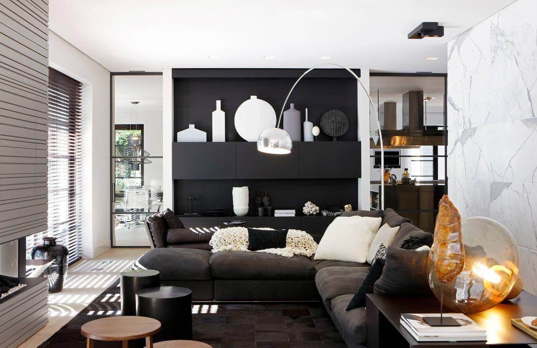 Modern Living Room by Grand & Johnson Modern