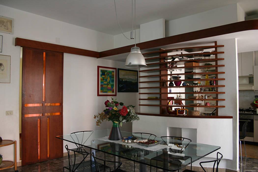 disegno d'interni: Soggiorno in stile in stile Moderno di PARIS PASCUCCI ARCHITETTI