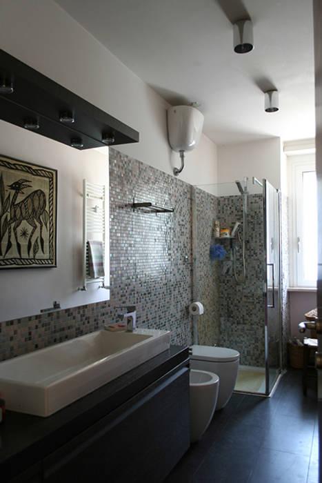 bagno: Bagno in stile in stile Moderno di PARIS PASCUCCI ARCHITETTI