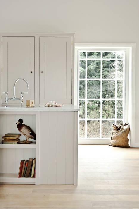 IP13 Kitchen by British Standard British Standard by Plain English Cuisine classique Bois Gris