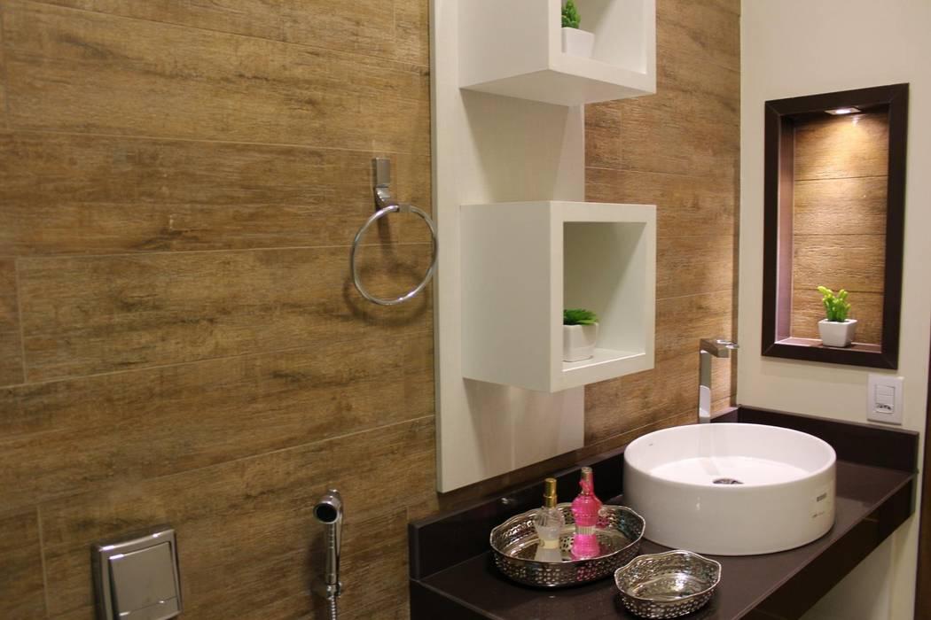 Madeira no Banheiro Banheiros rústicos por Arquiteta Bianca Monteiro Rústico Cerâmica