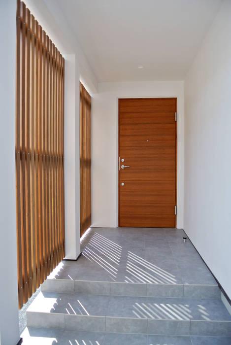 Scandinavian style windows & doors by 株式会社 ヨゴホームズ Scandinavian