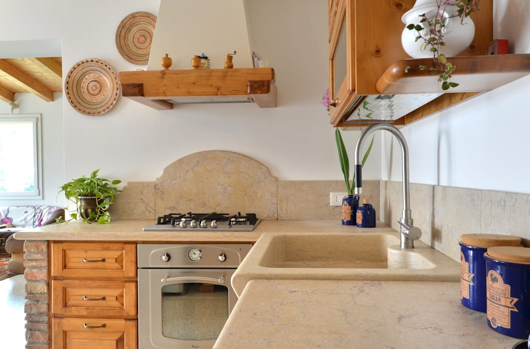 Rustic style kitchen by SALM Caminetti Rustic Marble