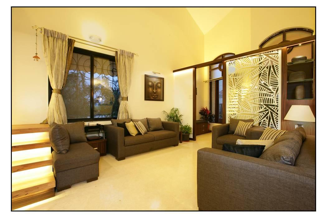 Residence For Captain Nikhil Kanetkar and Ashwini Kanetkar Navmiti Designs Modern living room