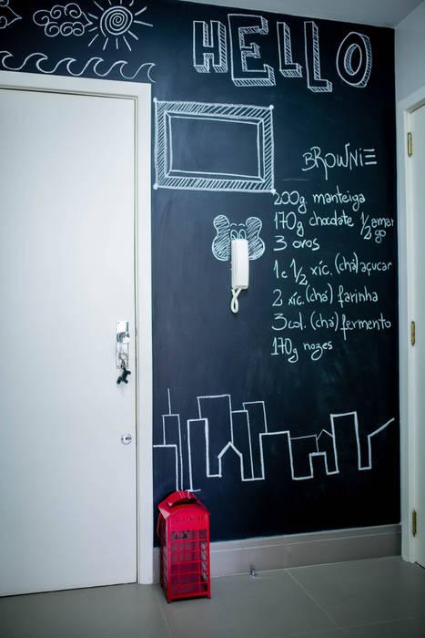 Nhà bếp phong cách tối giản bởi AIRE Arquitetura Interiores e Retail Tối giản