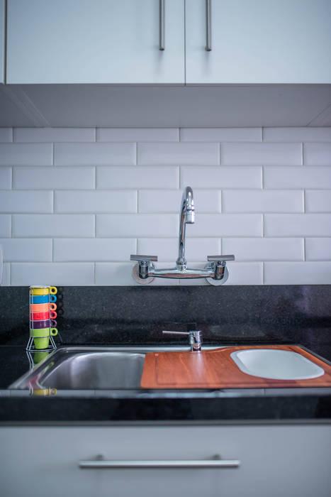 Cozinha Branca Com Portobello Liverpool Branco Aire Arquitetura Interiores E Retail Cozinhas Minimalistas Azulejo Branco Homify