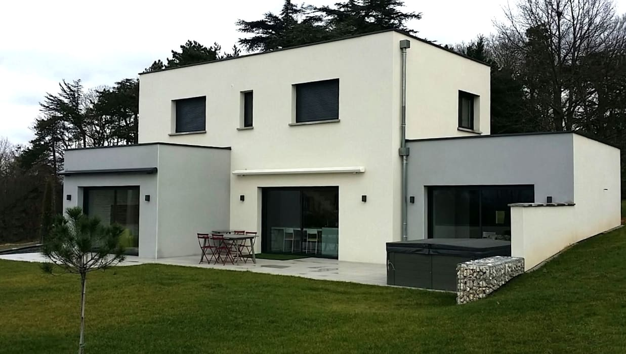 Construction d\'une maison contemporaine avec toiture terrasse ...