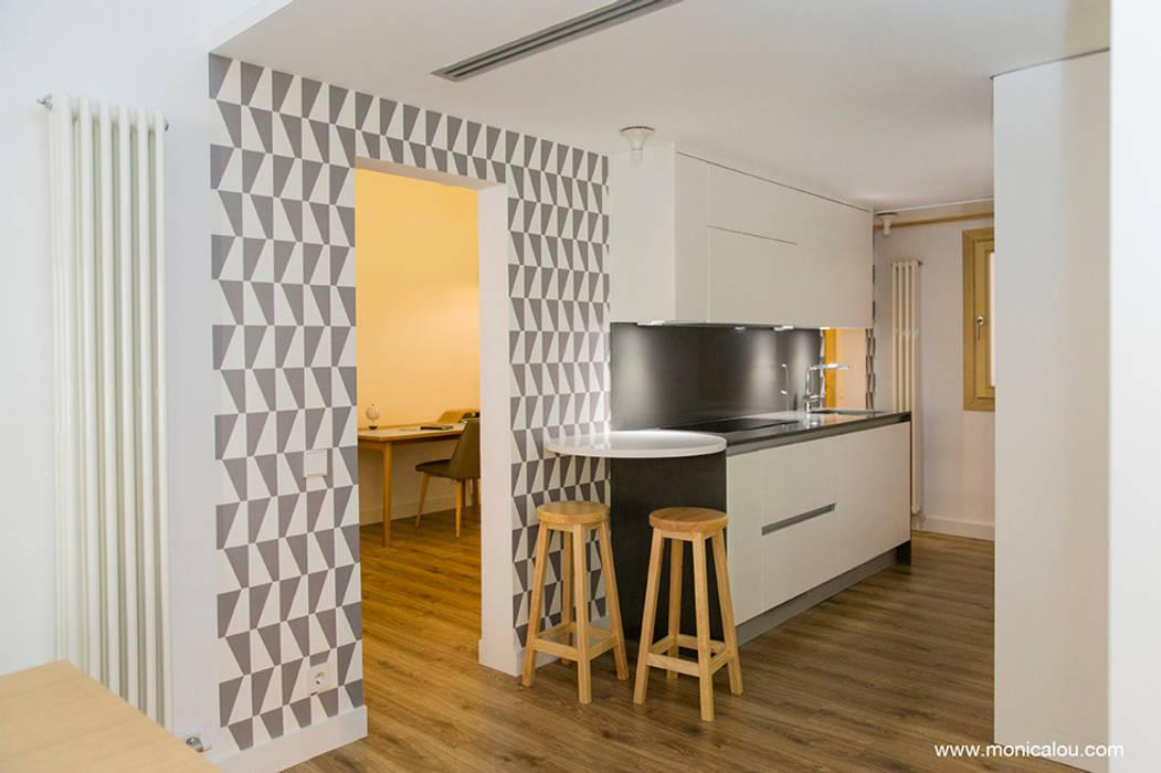 Skandinavische Küchen von LOCA Studio Skandinavisch Holz Holznachbildung