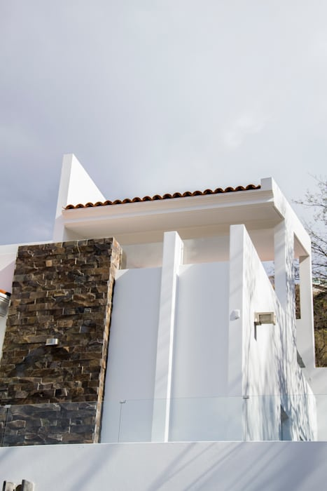 fachada de terraza: Casas de estilo minimalista por Excelencia en Diseño