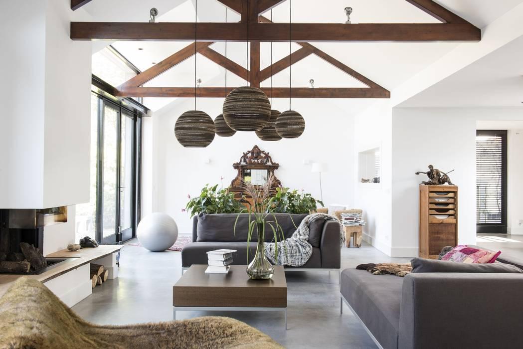Modern Living Room by ENZO architectuur & interieur Modern