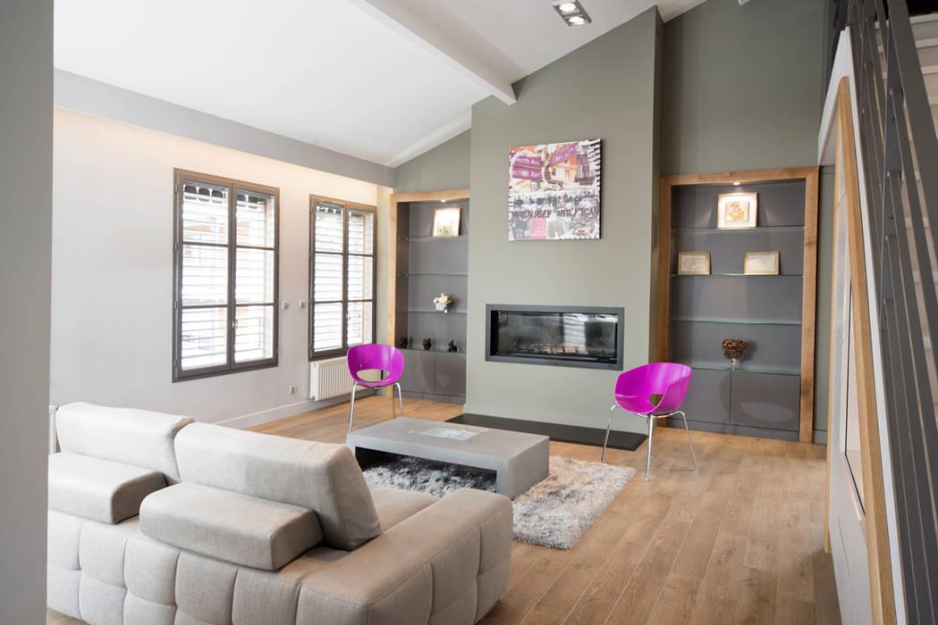 Réhabilitation intérieure et extérieure d'un appartement à la Croix-Rousse (Lyon) : Salon de style  par réHome