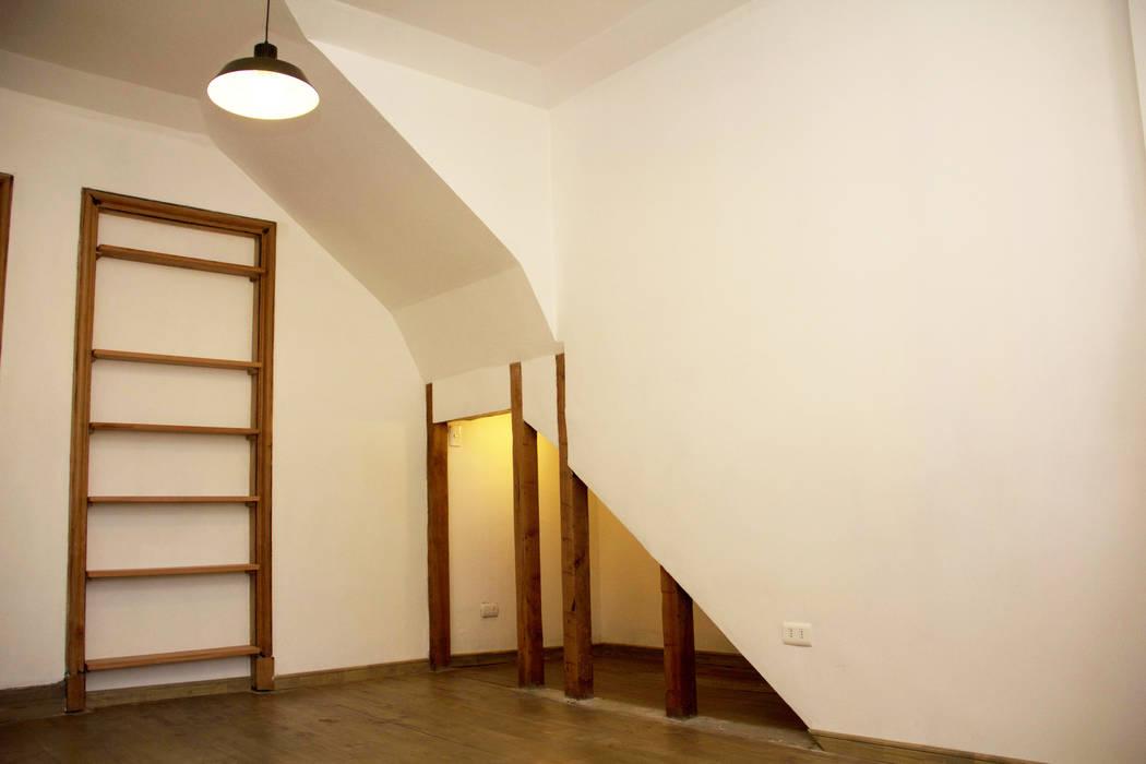 Hall de acceso Estudios y oficinas modernos de Arquitectura + Diseño OK ADOK Moderno Madera Acabado en madera