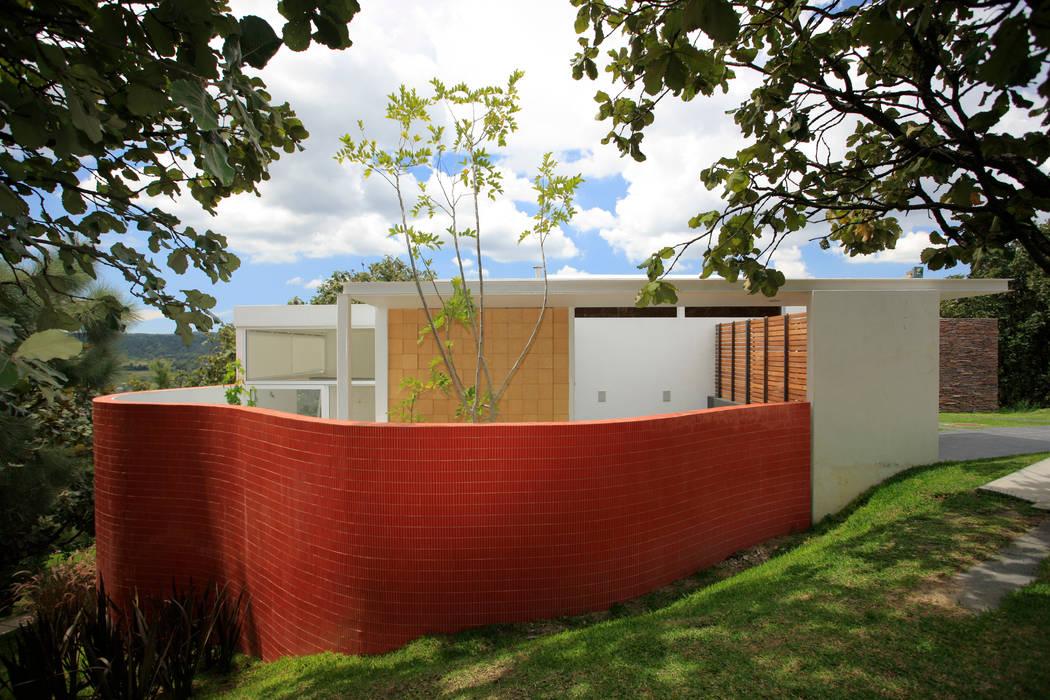 Dinding & Lantai Minimalis Oleh Echauri Morales Arquitectos Minimalis Keramik
