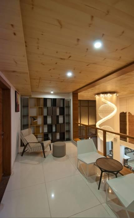 Ahaan Villa - Ahmedabad Modern corridor, hallway & stairs by OPENIDEAS Modern