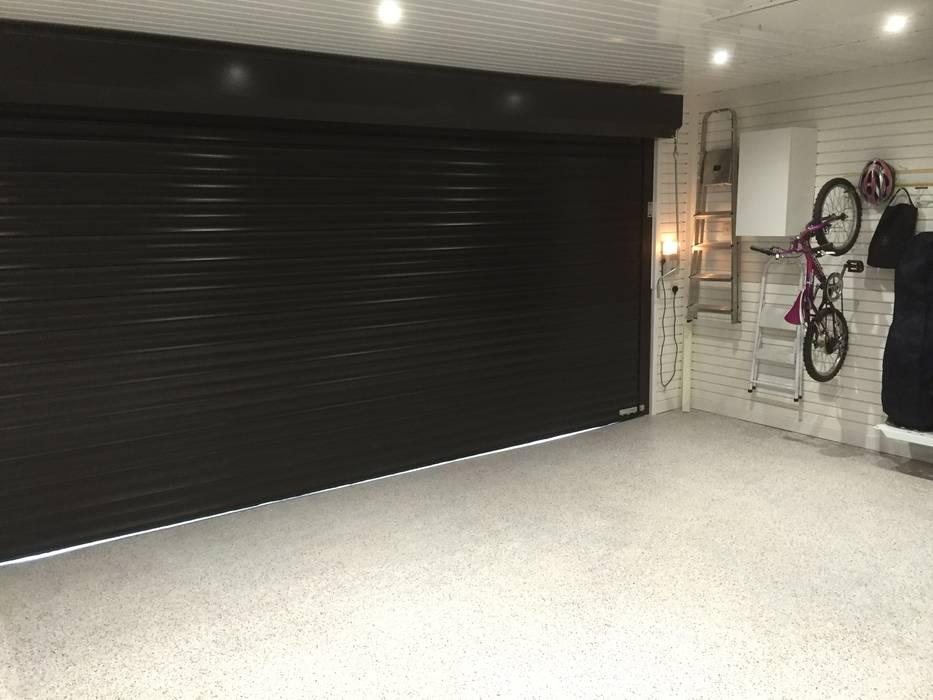 Garage / Hangar de style  par Garageflex, Classique