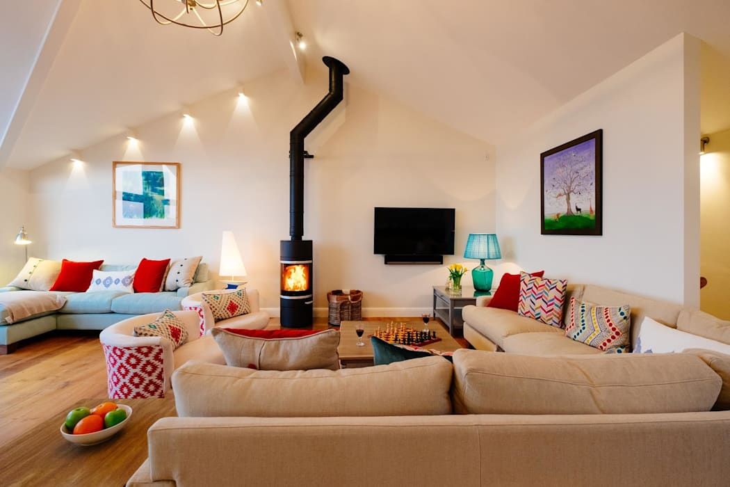 Living Room Ruang Keluarga Modern Oleh Perfect Stays Modern