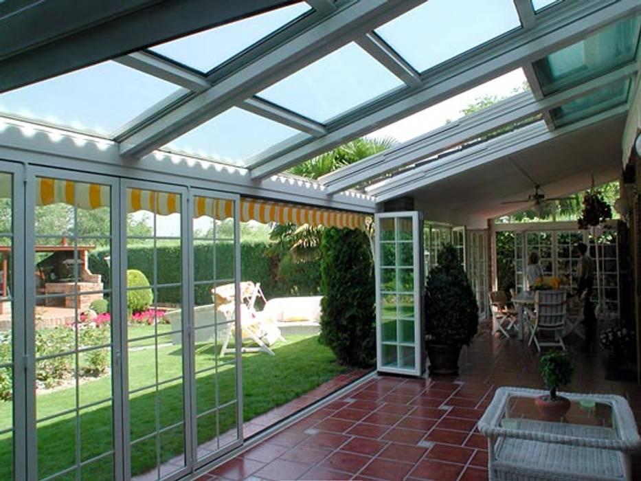 Cerramientos de Aluminio Puertas y ventanas de estilo clásico de Torini Global Service Clásico Aluminio/Cinc