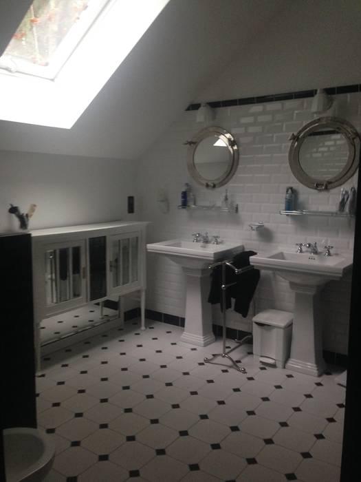 Salle de bain d'une suite parentale style art déco: Salle de bains de style  par POPPIN' WOOD