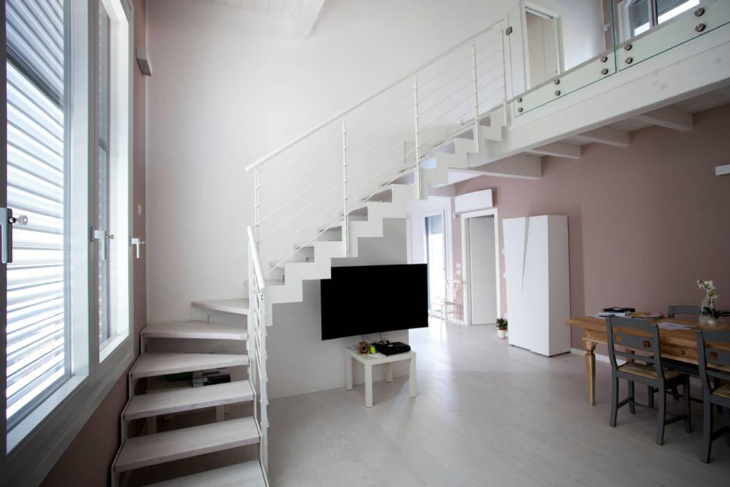 CasaAttiva Minimalist corridor, hallway & stairs