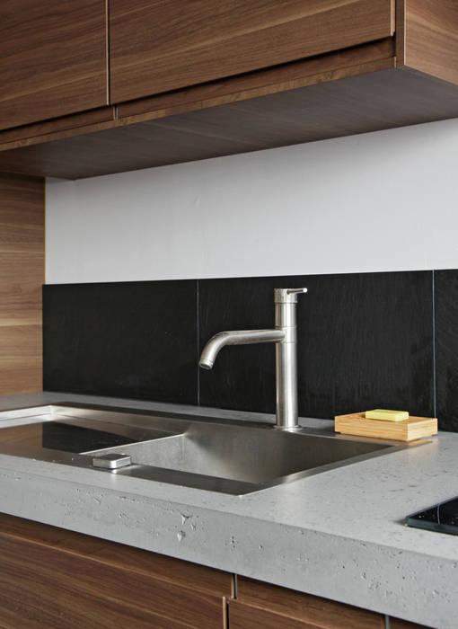 Rosny: Cuisine de style de style Moderne par Concrete LCDA
