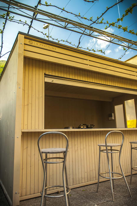 Il chiosco personalizzabile: Bar & Club in stile  di La Pratolina