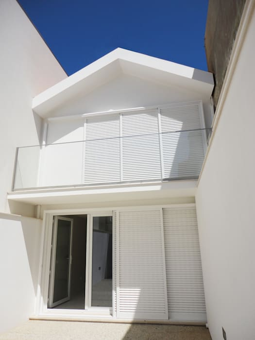 Eclectic style houses by GAAPE - ARQUITECTURA, PLANEAMENTO E ENGENHARIA, LDA Eclectic