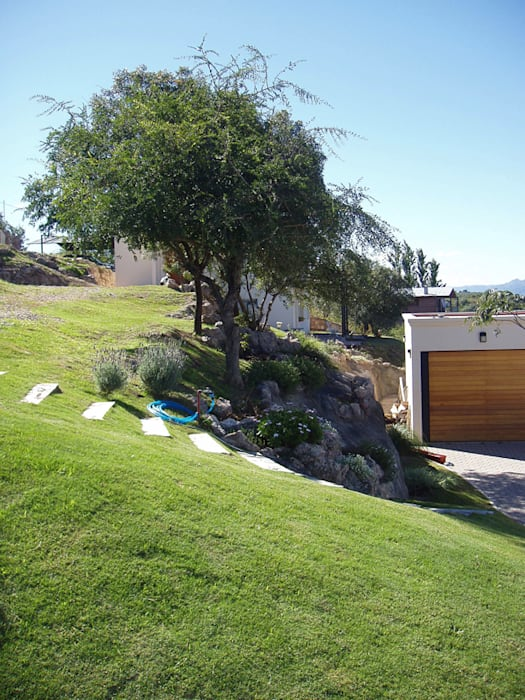 Casa Lago Jardines de estilo moderno de renziravelo Moderno