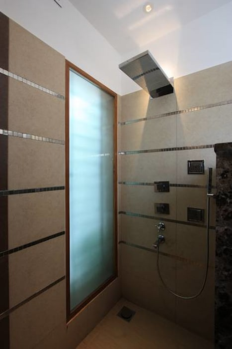 Shower Area:  Bedroom by Ansari Architects