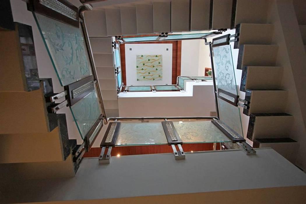 False ceiling:  Corridor & hallway by Ansari Architects