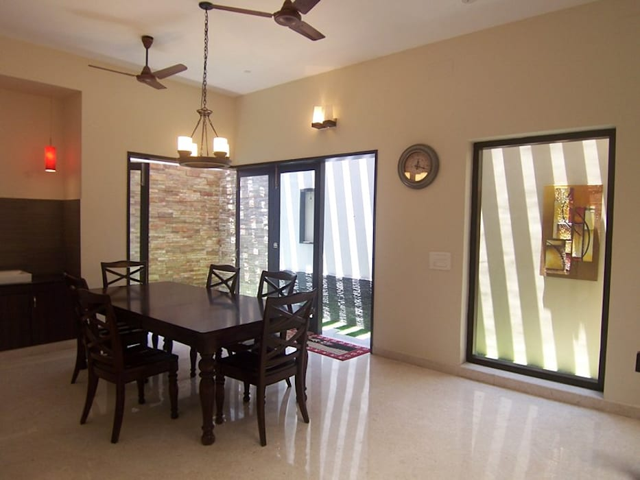 Ruang Makan oleh Ansari Architects