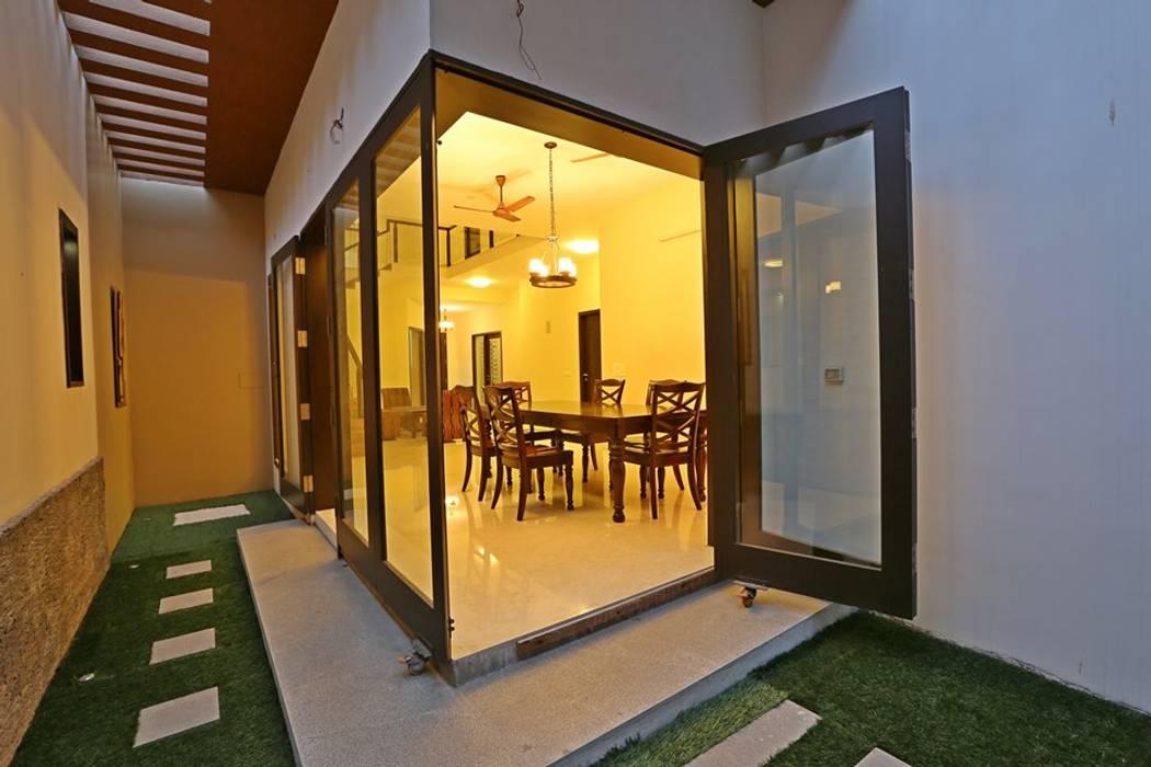 Jardines de estilo  por Ansari Architects, Moderno