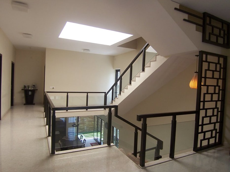 Staircase:  Corridor & hallway by Ansari Architects