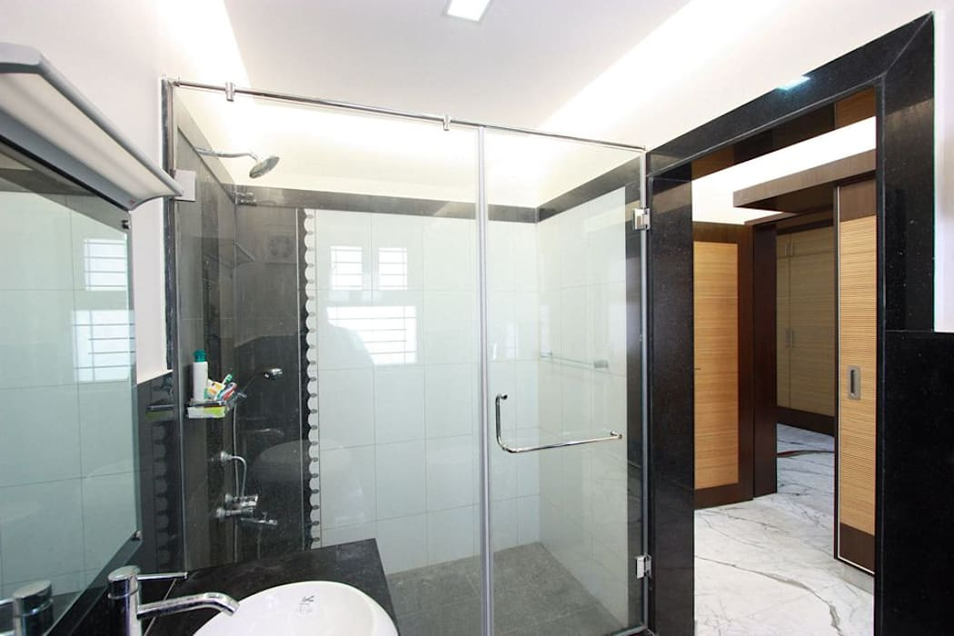 Shower: modern Bathroom by Ansari Architects
