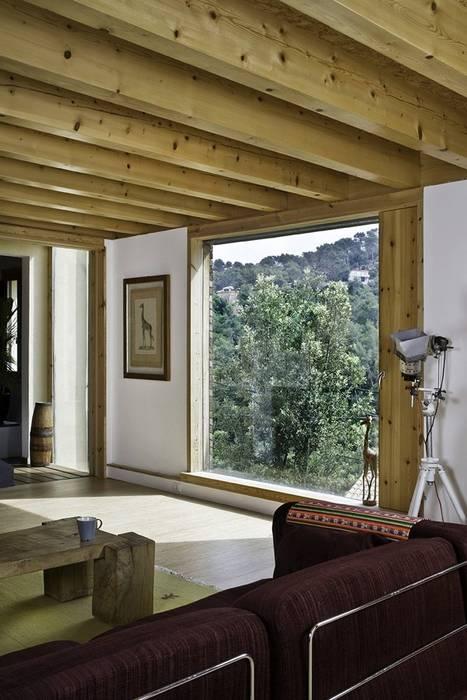La Floresta (NOEM) Salones de estilo moderno de NOEM Moderno