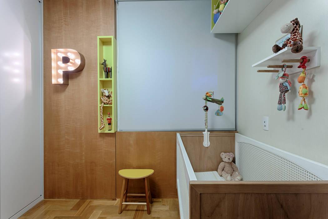 Modern nursery/kids room by CoGa Arquitetura Modern